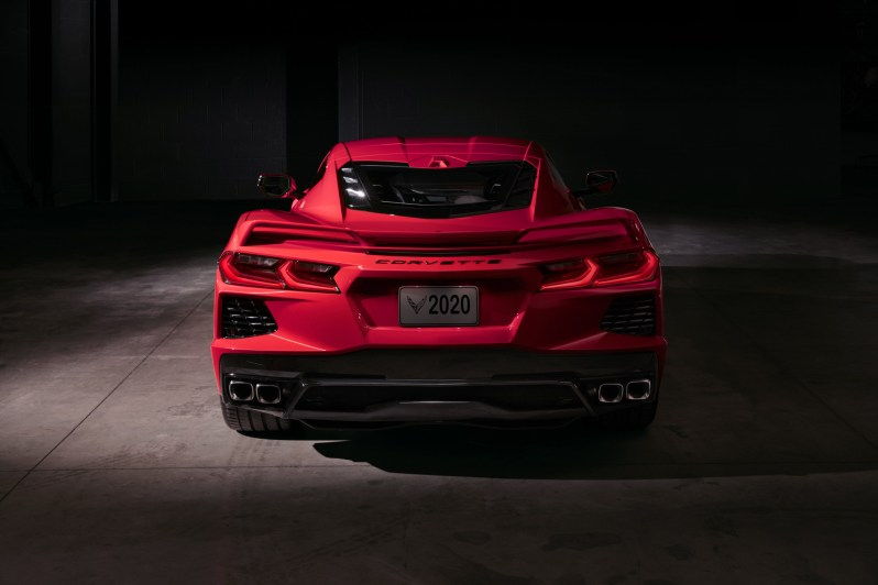 2020-Chevrolet-Corvette-Stingray-035