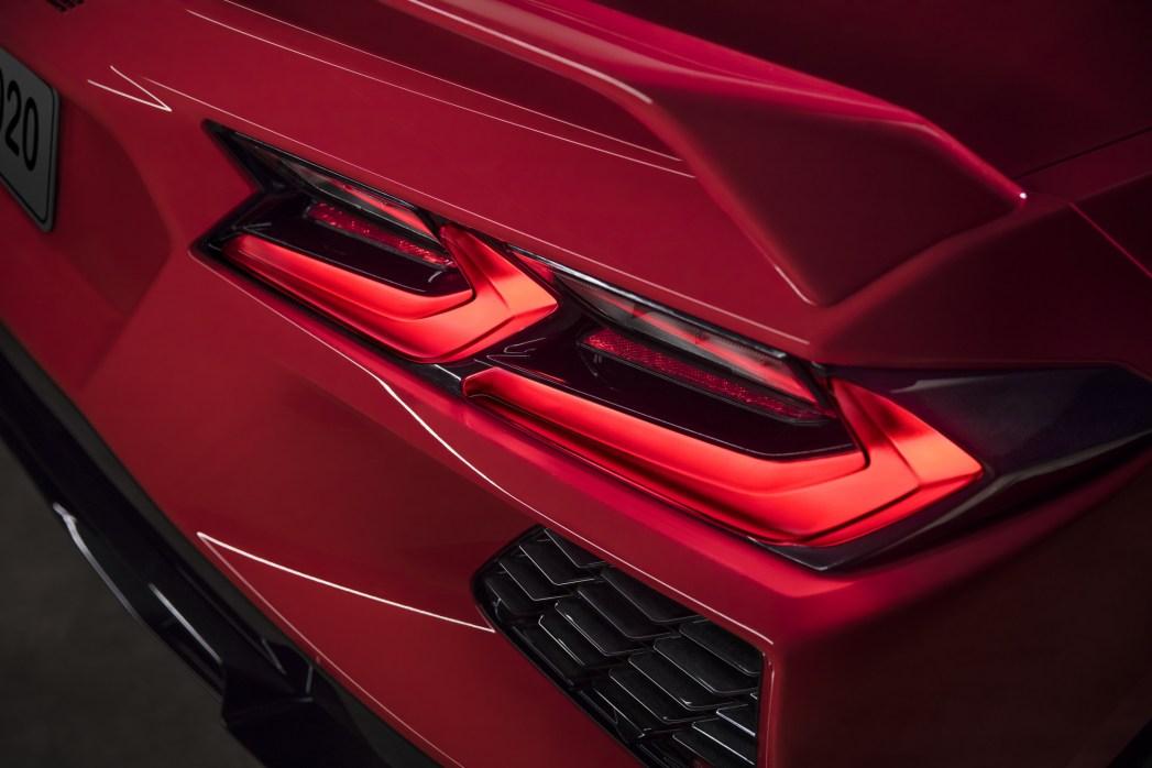 2020-Chevrolet-Corvette-Stingray-040