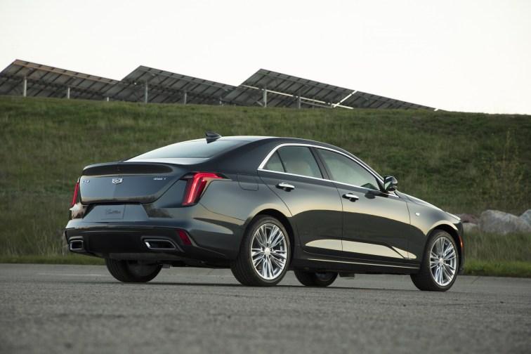 2020-Cadillac-CT4-PremiumLuxury-026