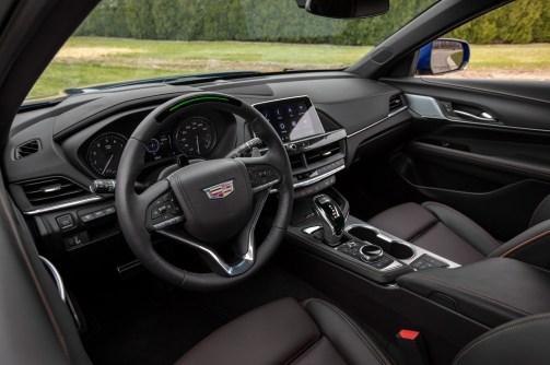 2020-Cadillac-CT4-V-011
