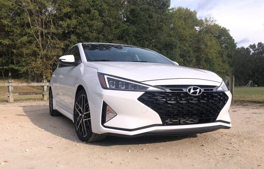 2019 Hyundai Elantra Sport (16)