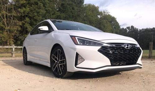 2019 Hyundai Elantra Sport (17)