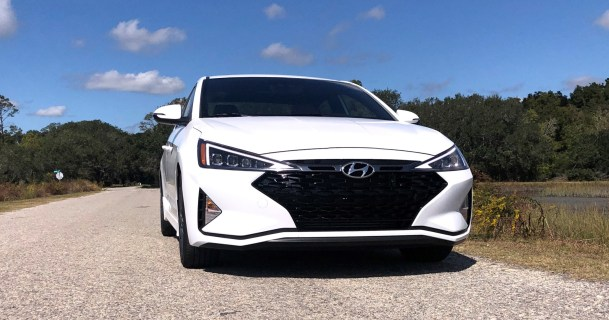2019 Hyundai Elantra Sport (40)