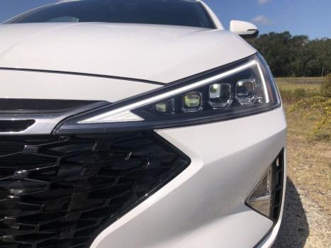 2019 Hyundai Elantra Sport (47)