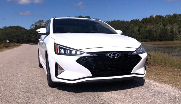 2019 Hyundai Elantra Sport (7)