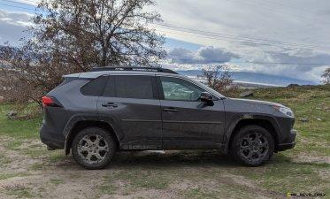 2020 RAV4 TRD Off-Road - Car-Revs-Daily.com Matt Barnes (13)