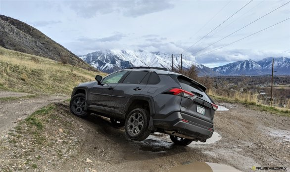 2020 RAV4 TRD Off-Road - Car-Revs-Daily.com Matt Barnes (2)