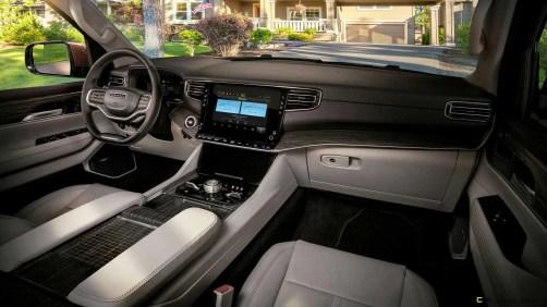 2022-jeep-wagoneer-interior-dashboard