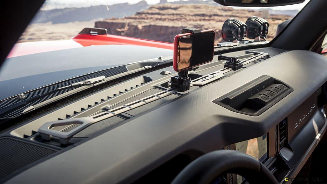 ARB-4x4-Accessories-custom-Bronco-four-door-SUV_09