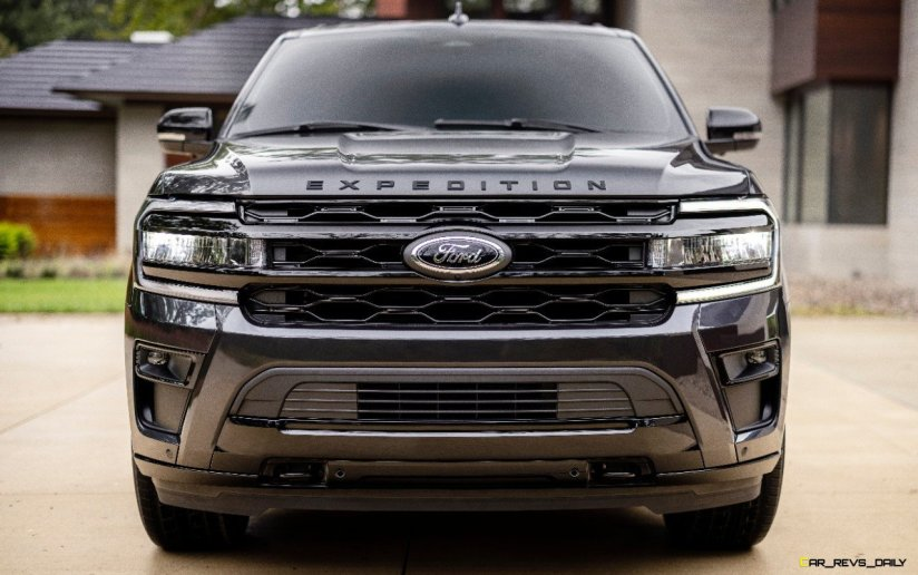 2022 Ford Expedition Stealth Edition Performance Package_19