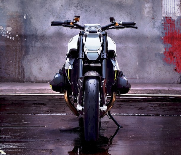 BMW Motorrad - Concept Roadster is Boxer Basics Motorcycle for Lake Cuomo 18