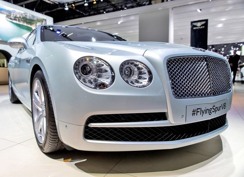 Car-Revs-Daily.com 2015 Bentley Flying Spur V8 Debuts in Moscow 11