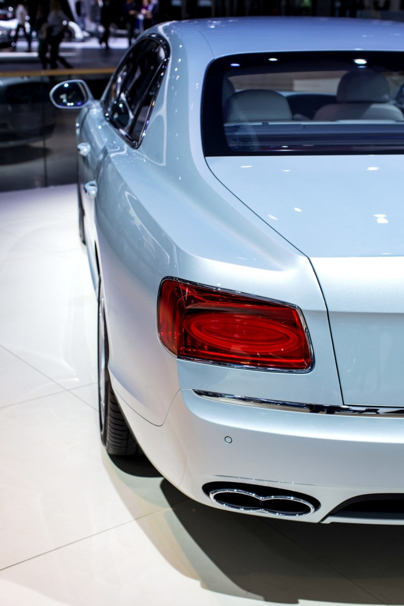 Car-Revs-Daily.com 2015 Bentley Flying Spur V8 Debuts in Moscow 14