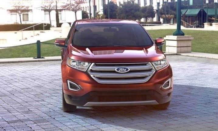 Car-Revs-Daily.com 2015 Ford Edge - BRONZE 34