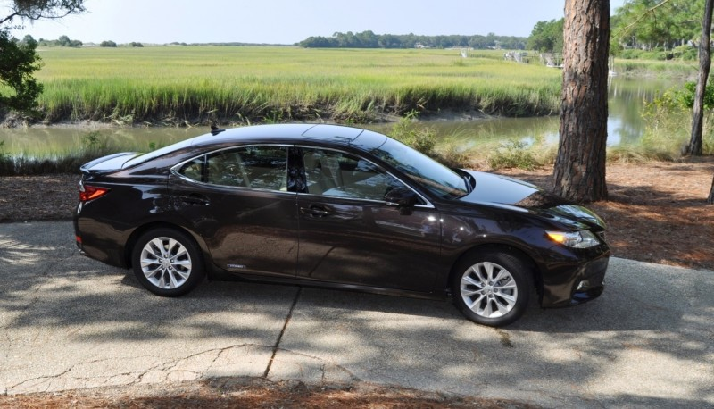 Car-Revs-Daily.com 2015 Lexus ES300h Review 45