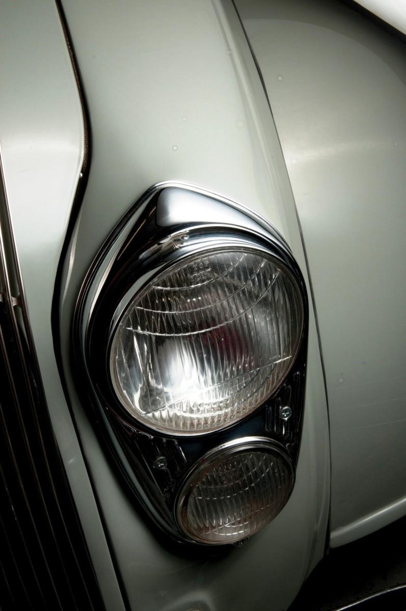 Car-Revs-Daily.com RM Auctions Motor City 2014 Preview - 1934 Chrysler Airflow Eight Sedan 10