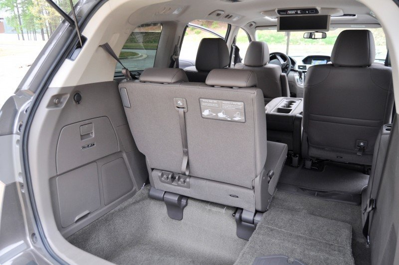 Car-Revs-Daily.com Road Test Review - 2014 Honda Odyssey Touring Elite 22