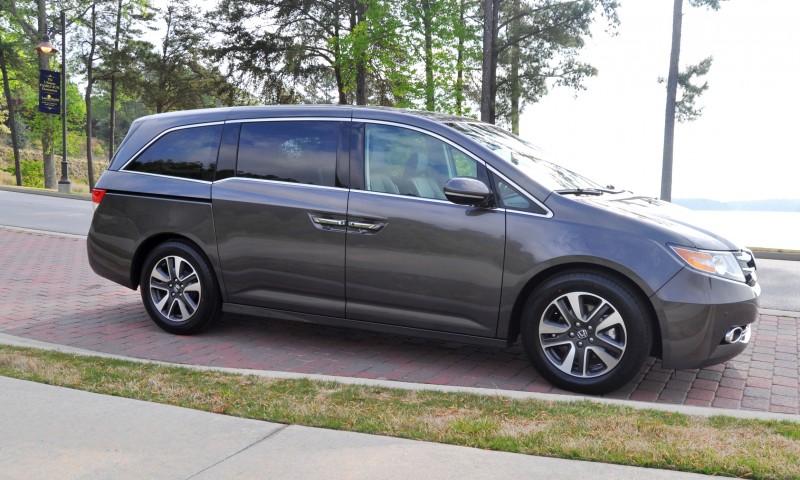 Car-Revs-Daily.com Road Test Review - 2014 Honda Odyssey Touring Elite 3