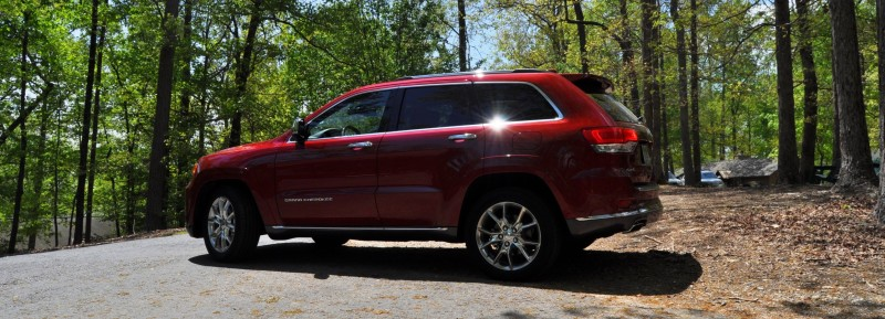 Car-Revs-Daily.com Road Test Review - 2014 Jeep Grand Cherokee Summit V6 14
