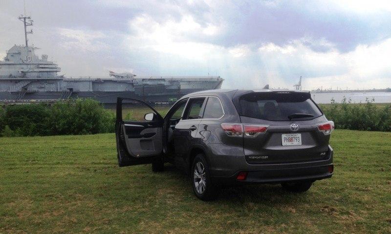Car-Revs-Daily.com Road Test Review - 2014 Toyota Highlander XLE V6 155