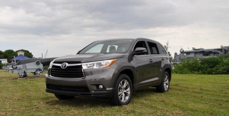 Car-Revs-Daily.com Road Test Review - 2014 Toyota Highlander XLE V6 32