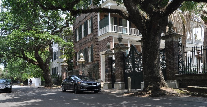 Car-Revs-Daily.com Travel Adventures - 2014 Honda Accord Coupe in Downtown Charleston LAGARE STREET 4
