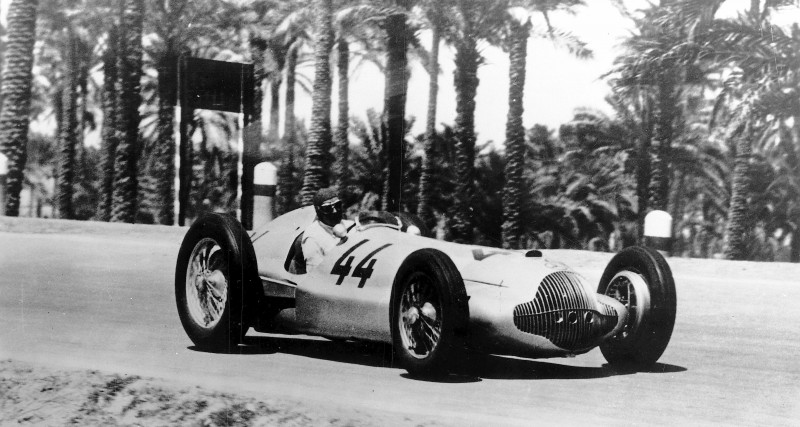CarRevsDaily - Hour of the Silver Arrows - Action Photography 64