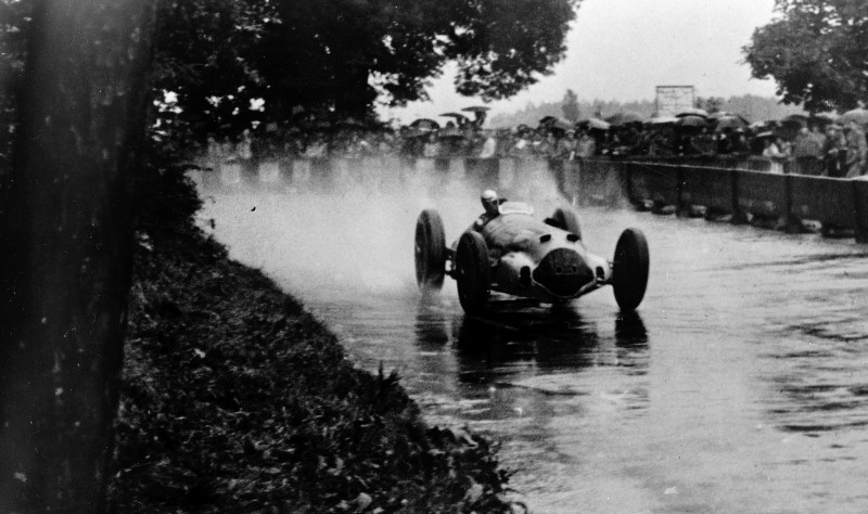 CarRevsDaily - Hour of the Silver Arrows - Action Photography 65