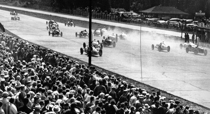 CarRevsDaily - Hour of the Silver Arrows - Action Photography 68