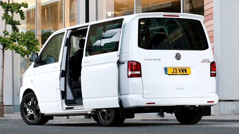 Happy B-Day to the Volkswagen Minibus and Transporter! Work Van Legend Turns 60 in UK This Year 21