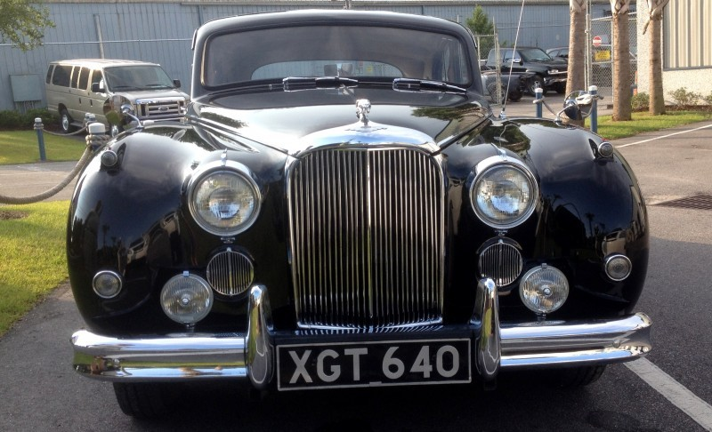 Iconic Classic - 1959 JAGUAR Mark IX Is Blue-Blood Royalty With Most Divine Cabin of the 1950s 2