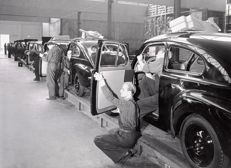 'Little Volvo' 1944 PV444 Celebrates 70th Anniversary In Charming Retrospective 5