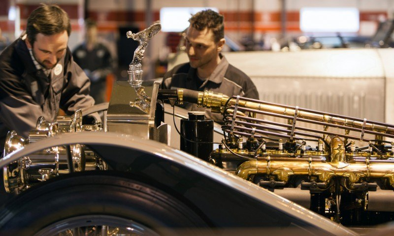 Past and Future Perfect - Rolls-Royce Is Evergreen in 111-Year History - 111 RARE Photos To Celebrate 33