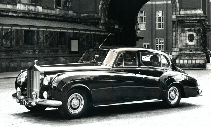 Past and Future Perfect - Rolls-Royce Is Evergreen in 111-Year History - 111 RARE Photos To Celebrate 70