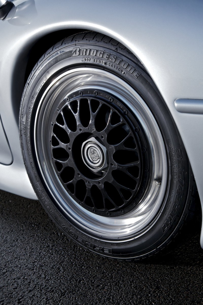 Supercar Icons - 1992 JAGUAR XJ220 Still Enchants the Eye and Mind, 22 Years Later 18