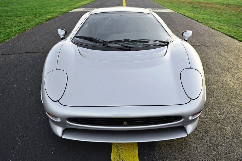 Supercar Icons - 1992 JAGUAR XJ220 Still Enchants the Eye and Mind, 22 Years Later 39