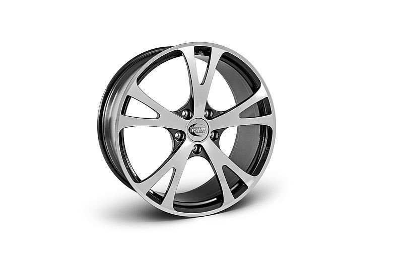 TECHART Releases First Four MACAN Wheels 4