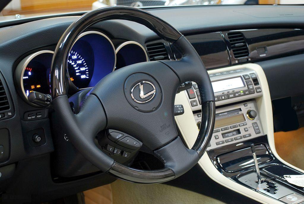 lexus nx 300h prix