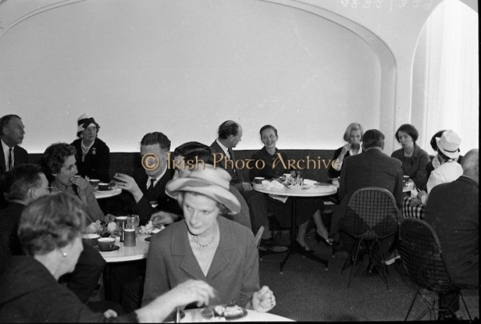 The opening of a new restaurant at Brown Thomas, Grafton Street. 10.05.1961