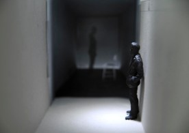 "Modell für Serie ""Trapped"""