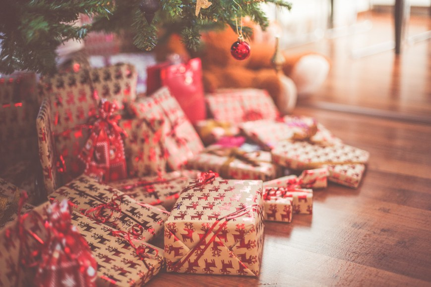 A useful list of practical and fresh Christmas gift ideas for men that the special guys in your life will actually want, need and use!