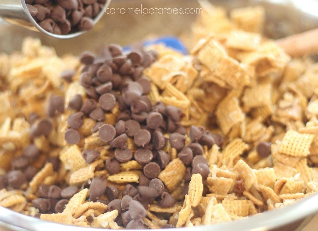 Chocolate-Peaut Butter Chex Mix