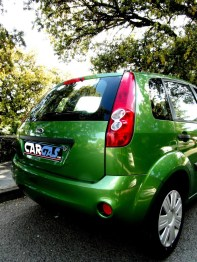 ford fiesta – car and gas – trasera 2