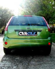 ford fiesta - car and gas - trasera