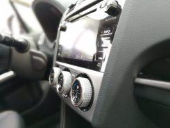Subaru XV Boxer Diesel consola central