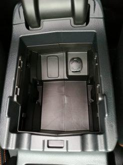 Subaru XV Boxer Diesel hueco reposabrazos