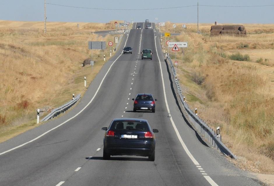Operación salida Puente de mayo. Los 10 Mandamientos CAR and GAS