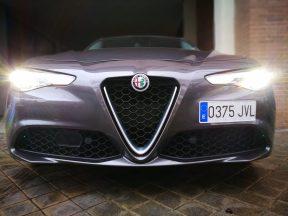 Alfa Romeo Giulia frontal