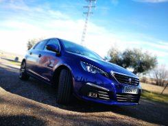 Peugeot 308 Azul Eléctrico