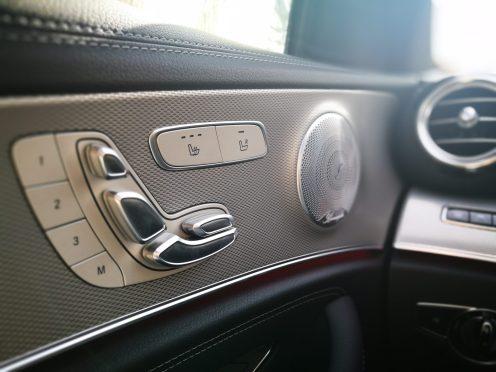 Mercedes Benz Clase E 220D gestión asientos
